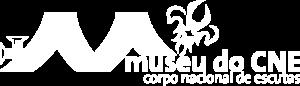 Logótipo do Museu do Corpo Nacional de Escutas, versão em cor branca